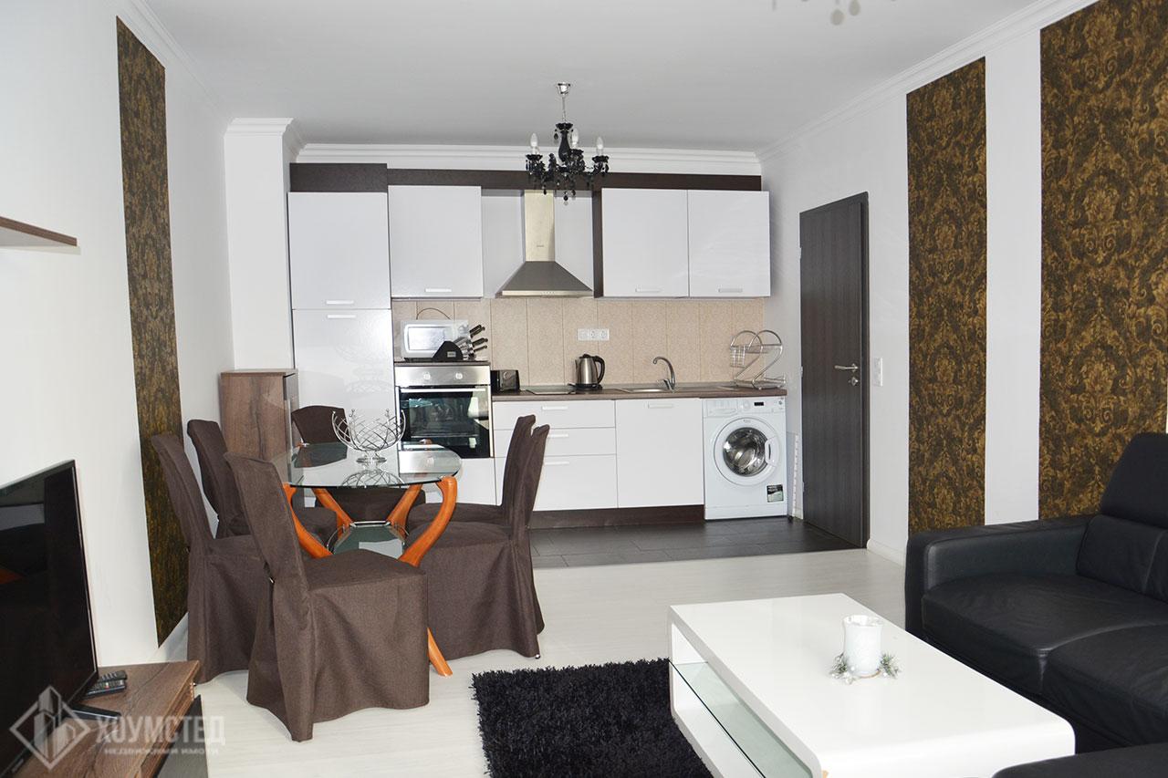 Тристаен луксозно обзаведен апартамент