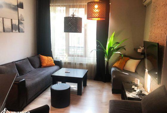 Тристаен апартамент в центъра на София под наем